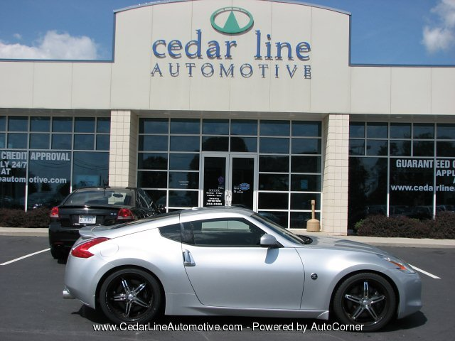 2009 Nissan 370Z SPORT 2-Door Coupe